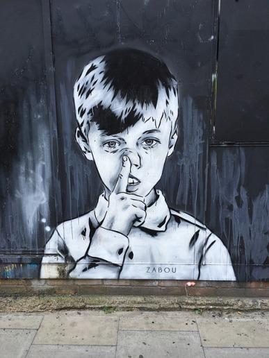 A-dazzling-journey-london-shoreditch-bricklane-little-boy-streetart